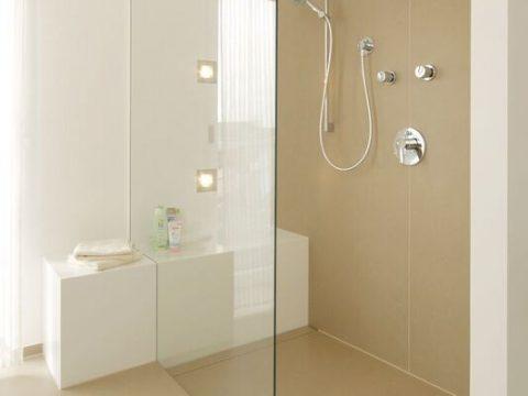Fugenloses Badezimmer mit Qualität von wärme design in der Steiermark